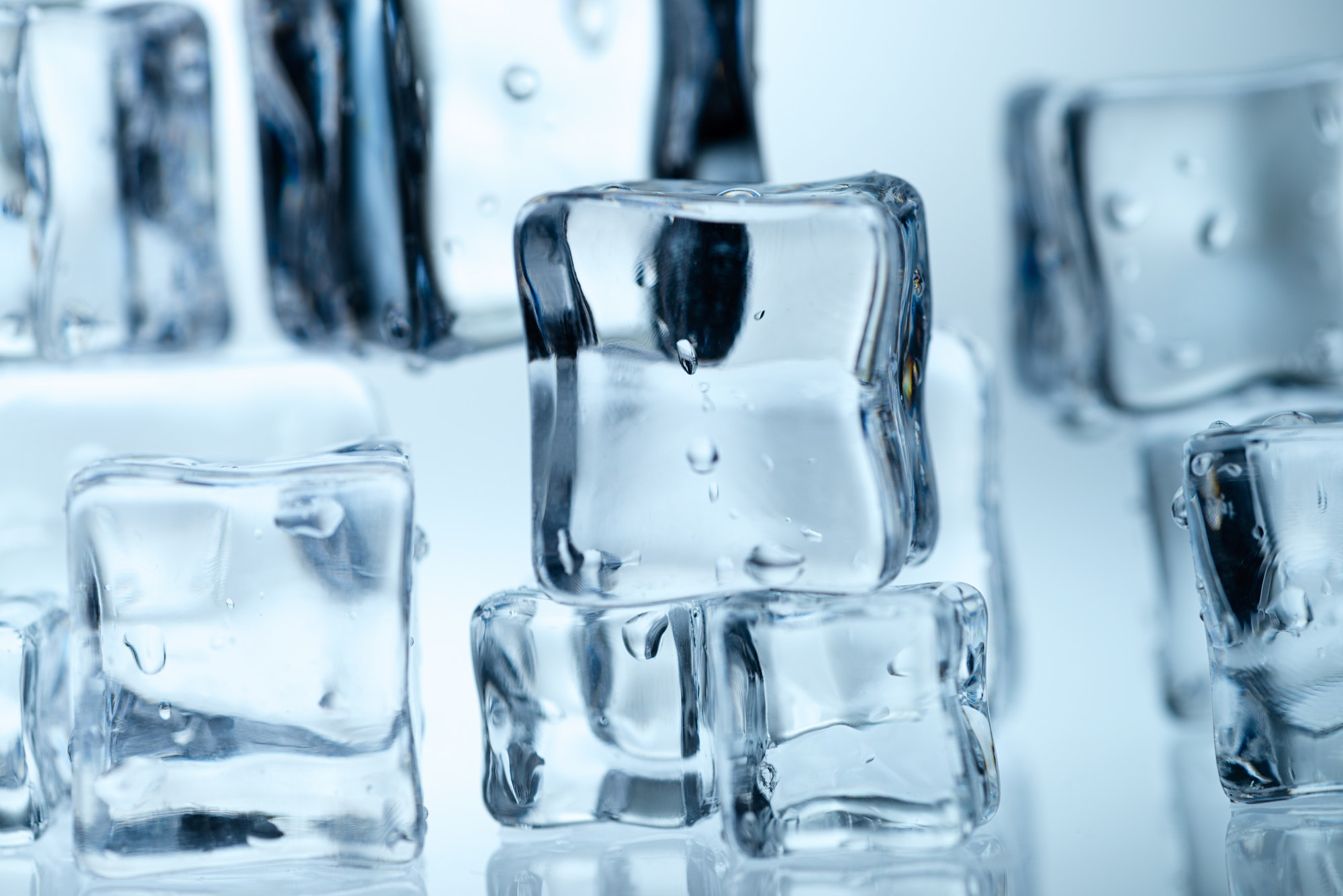 using ice cubes for facial