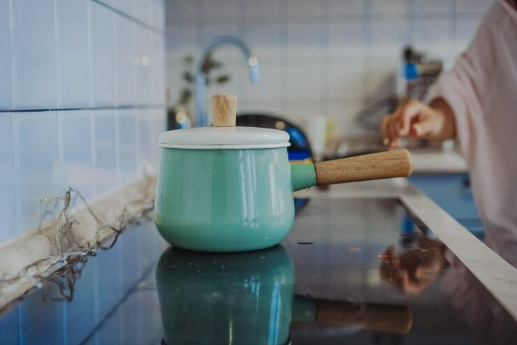 How to Remove Stains From Ceramic Cookware